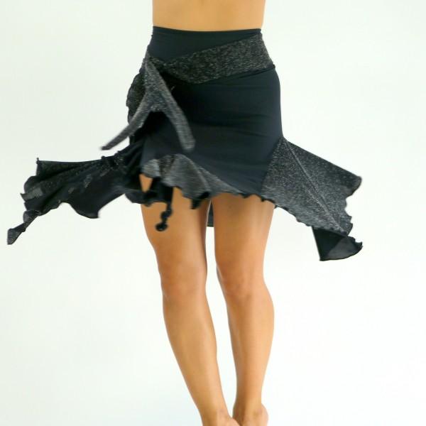 Rock mit integrierter Hose