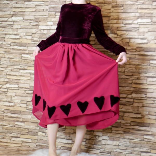 Handgemachtes Kleid für Mädchen aus Samt und Chiffon